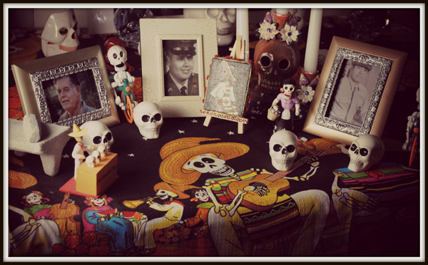 Nov 3: Building a Dia De Los Muertos Altar tonight at Theology on Tap